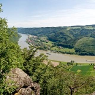 Blick vom Ebenstein ins Donautal