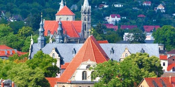Blick über Arnstadt (Bachkirche, Liebfrauenkirche, Rathaus)