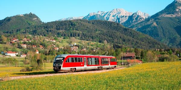 Bahnhöfe in Pfronten-Weißbach, Pfronten-Ried und Pfronten Steinach