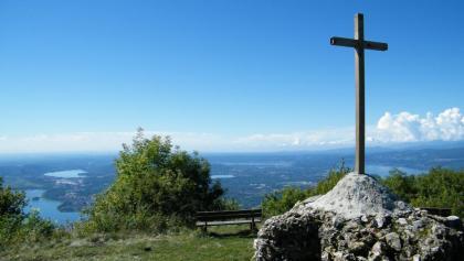 Am Gipfelplateau des Forte di Orino erwartet uns ein grandioser Rundumblick.