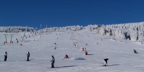 Skifahren am Oberwiesenthal-Fichtelberg Hang