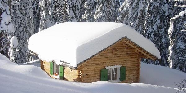 verschneites Häuschen auf dem Kristberg