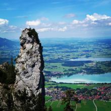 Blick auf Füssen und den Forggensee und Bannwaldsee