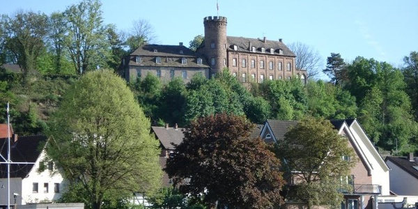 Blick auf die Burg Herstelle