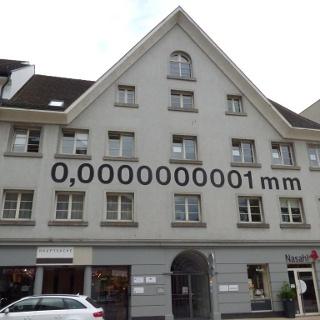 Rathausstraße 27- Schriftinstallation