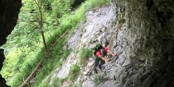 Aufstieg zur Höhle