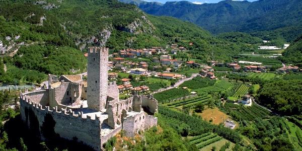 Il castello di Drena, punto di partenza dell'itinerario