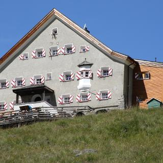 Hochjoch Hochspitzhütte 2413m  (Foto Walter Kaller)