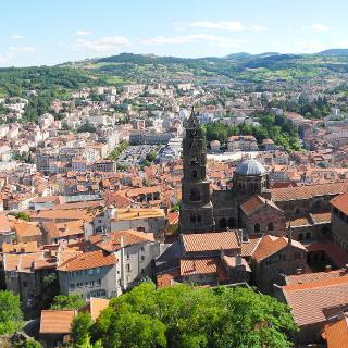 Blick von der Marienstatue auf Le Puy