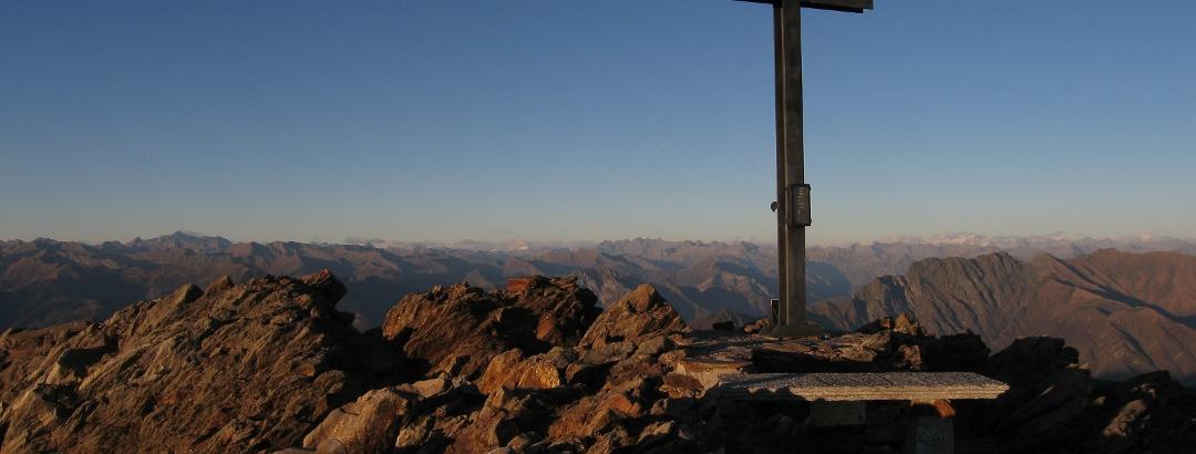 Abendstimmung auf dem Gipfel des Monte Zeda