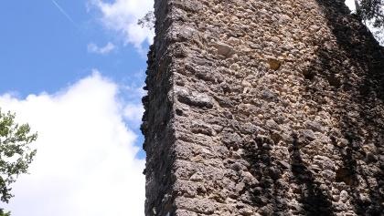 Rest des Bergfrieds der Ruine Granegg