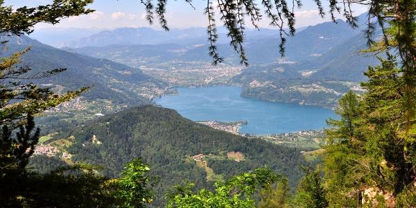 Veduta panoramica sul lago di Caldonazzo