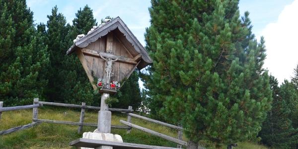 Il crocifisso poco prima della Baita Pozzi