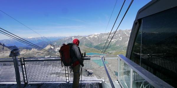 Blick von der Bergbahn auf die Laghi Cime Bianche