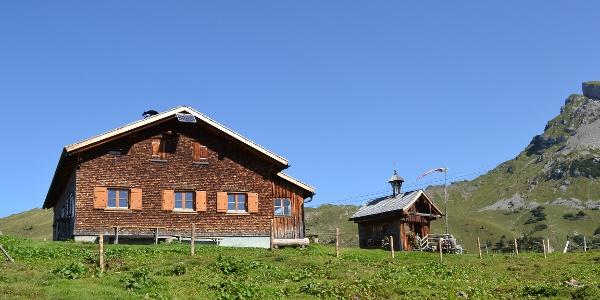 Alpe Ifersgunt mit Kapelle