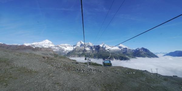 Auffahrt mit der Matterhorn Glacier Express-Bahn