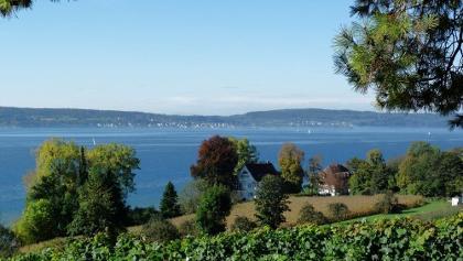 Blick auf Schloss Maurach und den Überlinger See