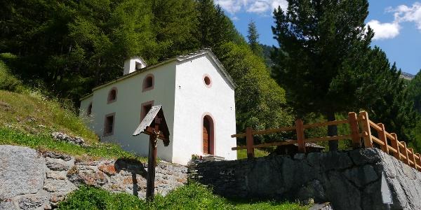 Die kleine Kapelle am Ortsrand von Gasenried