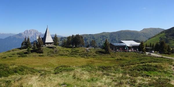 Zollnersee Hütte mit Friedenskapelle