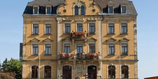 Rathaus mit Tourist-Information