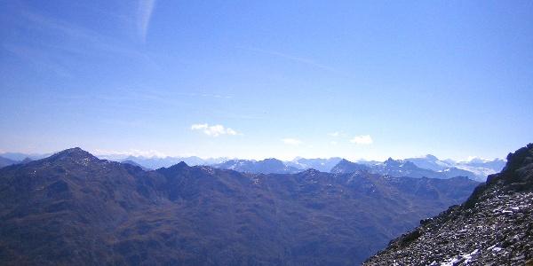 Blick Richtung Zillertaler Alpen und Gletscher
