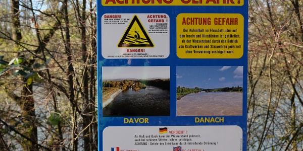 Gefahrenhinweise am Rheinufer