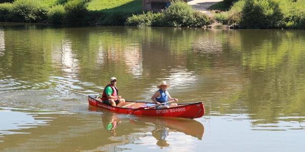 Kanufahrer auf dem Neckar