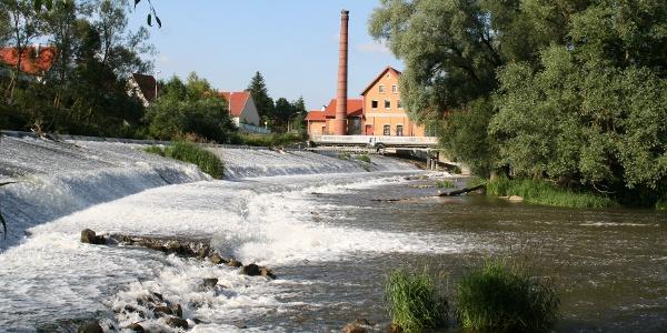 Donauschleife - Donau am Wasserkraftwerk Rottenacker