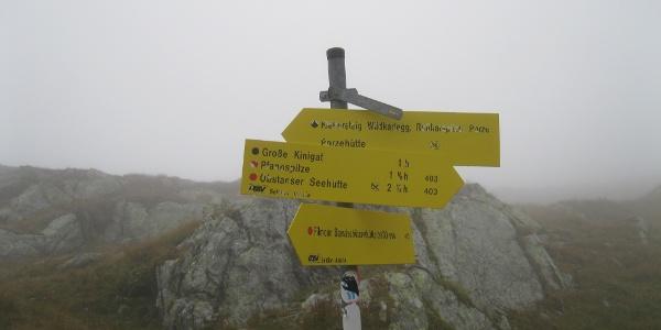 Südseitig an den Kinigats vorbei (in der BEV-Karte noch als Variante 03A gekennzeichnet)