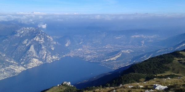 Il Garda Trentino dalla cima del Monte Altissimo