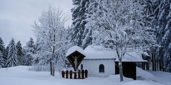 Kapelle im Winterkleid