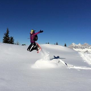 Schneeschuhwandern aufs Rossfeld - den Dachstein im Blick