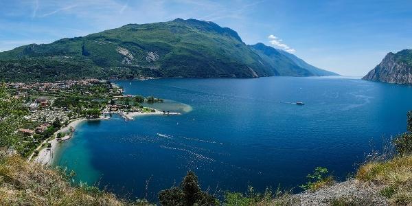Blick aus dem Monte Brione (Doss Casina und Monte Altissimo)