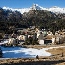 Ausblick aufs Dorf / Skigebiete