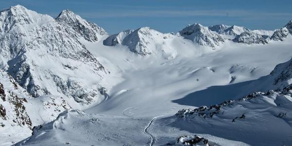 Pitztal - Mittagsscharte - Blick von der Mittagsscharte zurück ins Skigebiet