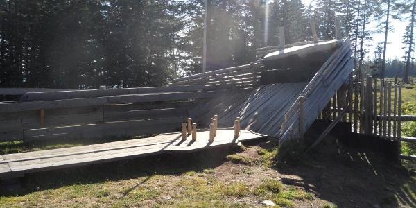 wilde Kegelbahn bei der Bernsteinhütte