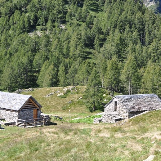 Stabili dell'Alp di Pii