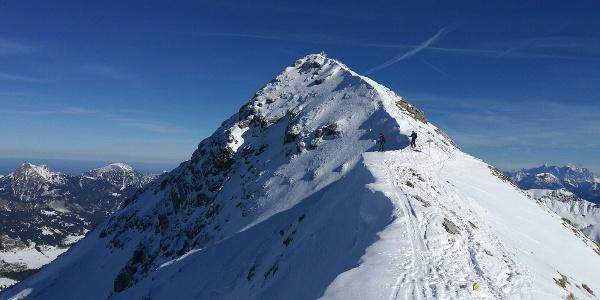 Letzten Meter zum Gipfel ohne Ski