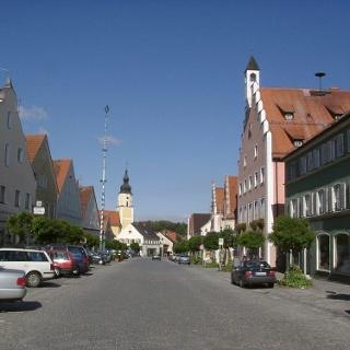 Langquaid mit historischem Marktplatz