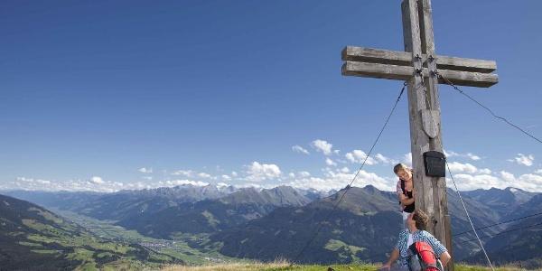 Vom Resterkogel hat man einen traumhaften Weitblick auf die 266 Dreitausender der Nationalparks Hohe Tauern