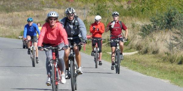 Radfahrer auf der Äußerer-Grüner-Ring-Radroute