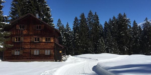 Holzhütte bei der Naturbrücke