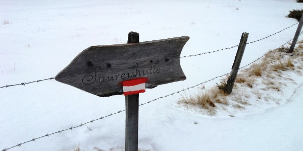 Wegweiser zur Saureishütte
