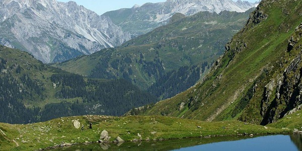 View from Lake Schwarzsee to the Lechquellen mountains