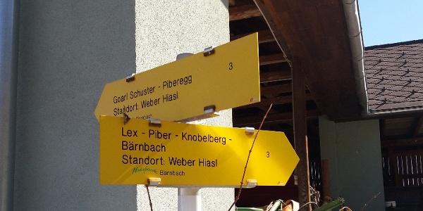 "Wegtafel beim ""Weber-Hiasl"""