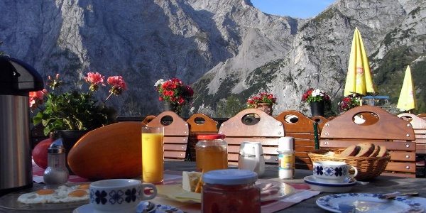 "Frühstück auf der ""Ost"" (1. September 2011)"