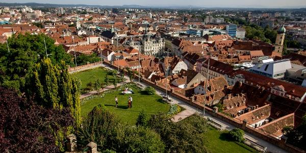 Die Dächerlandschaft von Graz