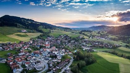 Blick über Rettenberg im Allgäu