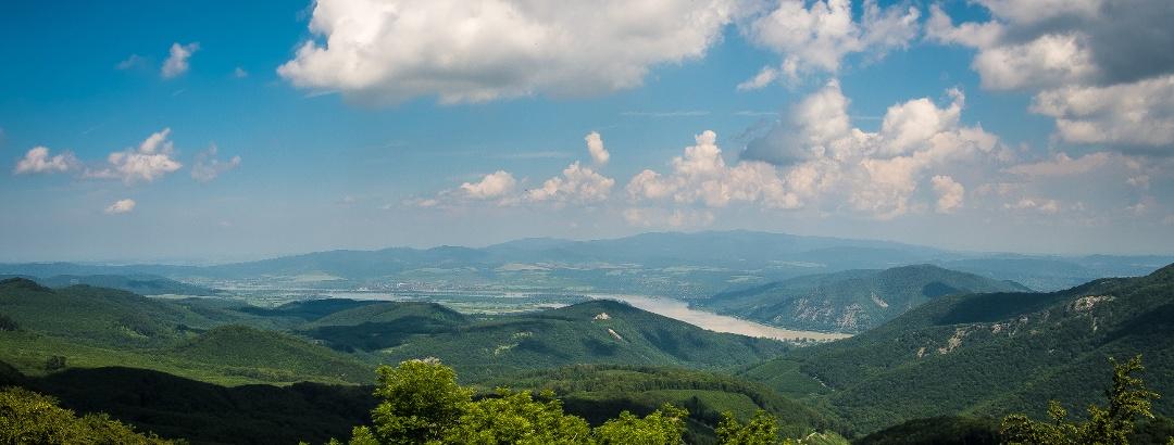 Pohľad z Dobogókő v lete