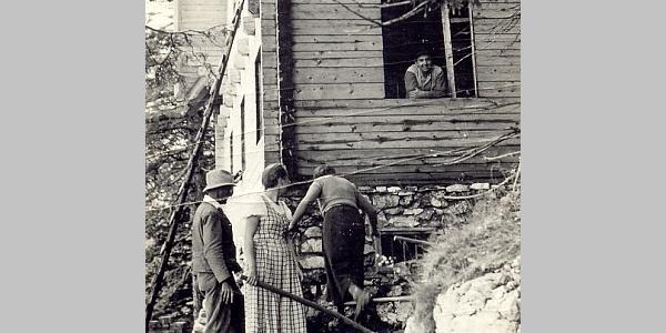 Hüttenbau des Adolf Kögler Schutzhauses im Jahr 1935